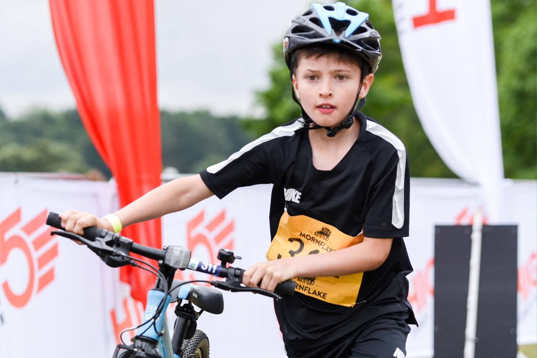 triatlon-detem-chlapec-s-kolem