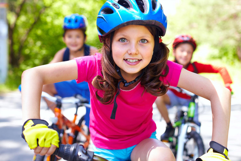 triatlon-detem-devce-na-kole